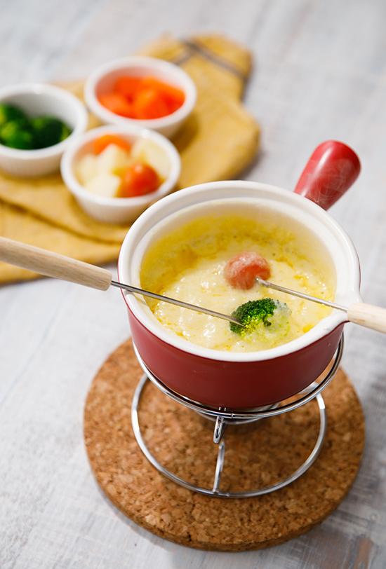 オリジナル料理メニュー・ディナーに食べたいチーズフォンデュ